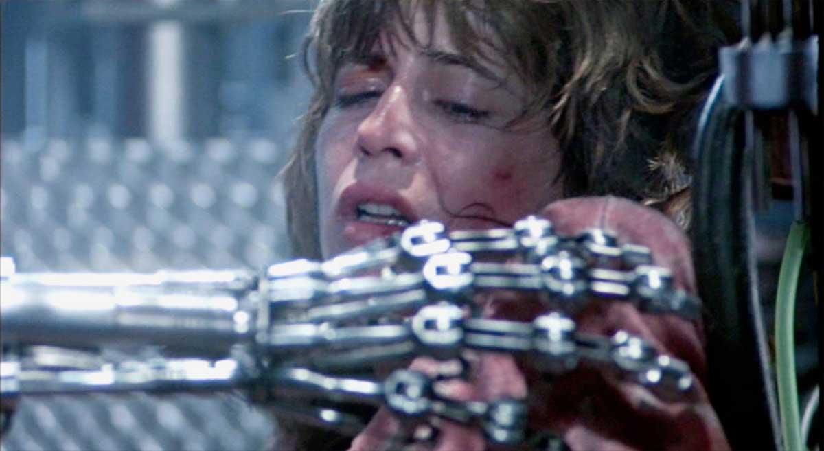 Terminator 1 med Arnord Scharzenegger, Linda Hamilton og Michael Biehn er en action klassiker